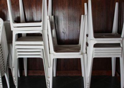 Mesas e Cadeiras  (Espaço para eventos de maior porte)